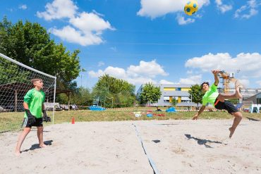 Spielspaß an der frischen Luft bei traumhaftem Sommerwetter
